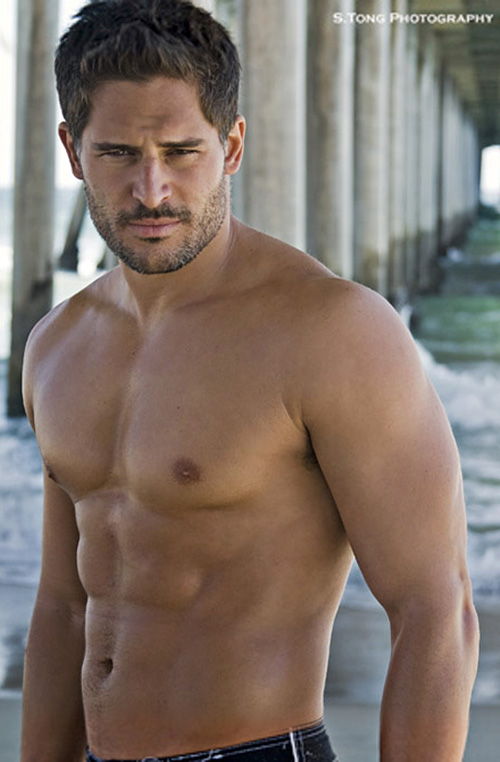 http://thevampireclub.files.wordpress.com/2010/01/joemanganiello21.jpg