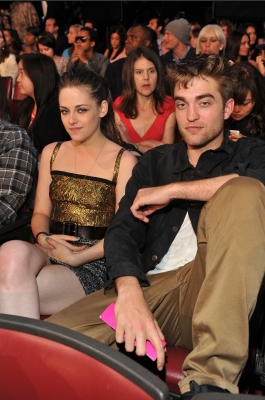 MTV  Movie Awards 2010 - Página 9 Twilightxchange-992