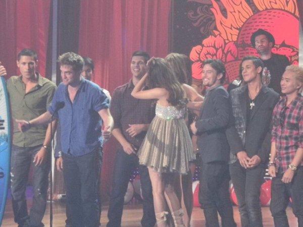 Teen Choice Awards 2010 - Página 3 009zr4fz