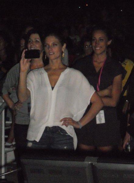 Ashley Greene - Imagenes/Videos de Paparazzi / Estudio/ Eventos etc. - Página 4 Ashleygreenejonas