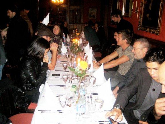 Convenciones Twilight - Página 10 Dinner