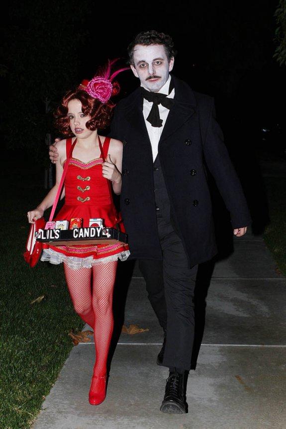 Dakota Fanning / Michael Sheen - Imagenes/Videos de Paparazzi / Estudio/ Eventos etc. 005bd61w