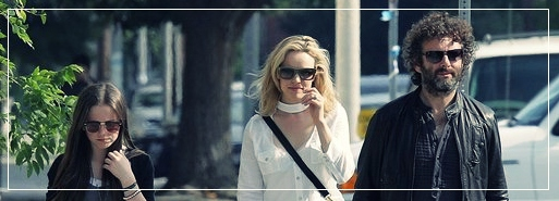 Dakota Fanning / Michael Sheen - Imagenes/Videos de Paparazzi / Estudio/ Eventos etc. - Página 3 Portada2