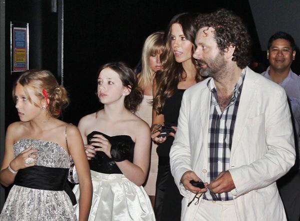 Dakota Fanning / Michael Sheen - Imagenes/Videos de Paparazzi / Estudio/ Eventos etc. - Página 4 Portadamichael