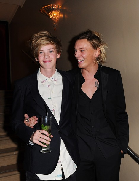 Jamie Campbell Bower no After party de Anonymous no 55th ...