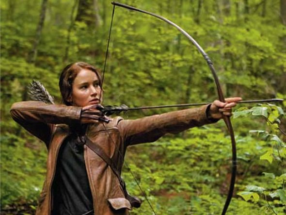 the books and film center around a bow wielding heroine named katniss everdeen played by jennifer lawrence everdeen must survive a televised Jennifer Lawrence, lactrice qui valait 10 millions