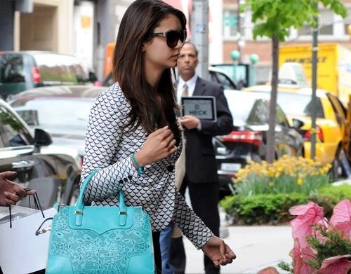 Celebrities arriving at their Manhattan hotel
