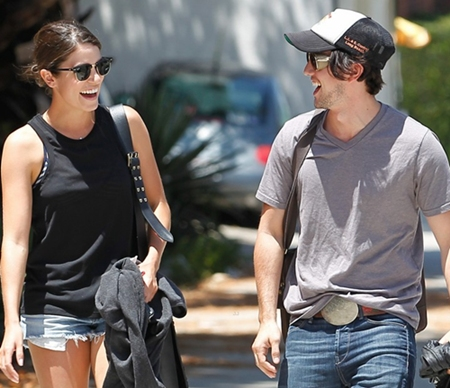 "Nikki Reed and a ""friend"" do lunch in Studio City"