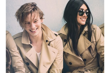 Jamie-Campbell-Bower-and-Neelam-Johan_behind-scenes_glamour_16dec13_Pr_b_426x284